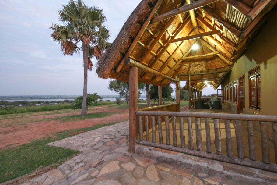 Pakuba-Safari-Lodge.jpg
