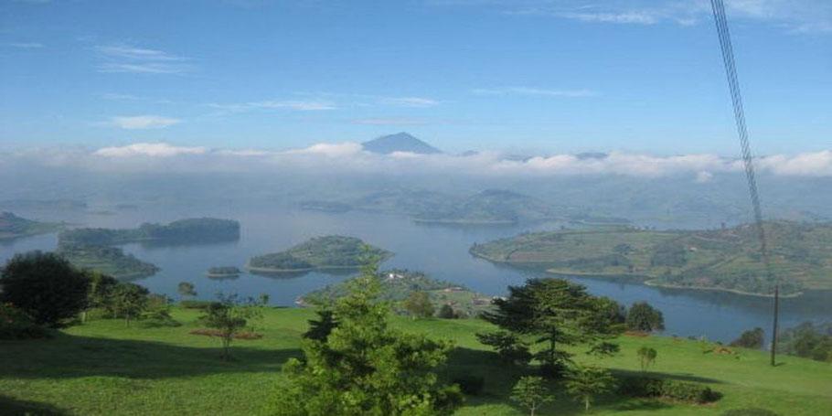 Lake-Bunyonyi-islands.jpg