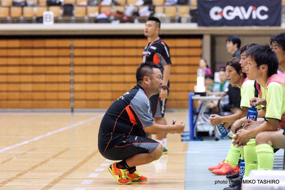 長崎県選抜を率いるのは嘗てRD/DINO'Sで手腕を振るわれてた中嶋孝行監督、脩太郎選手の父親でもある。