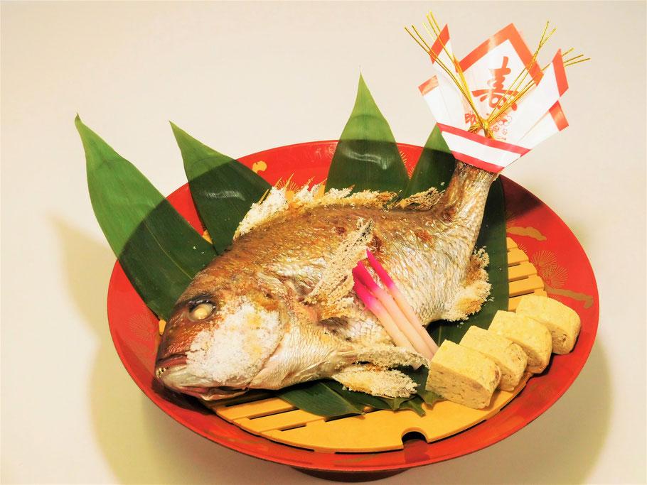 お祝い 祝い鯛の塩焼き 鯛の塩焼き ハレの日 めでたい 寿 豊川 和食 海鮮 ととや 豊川市田店 慶事 誕生日会 女子会 記念日 長寿祝い 忘年会 新年会 宴会