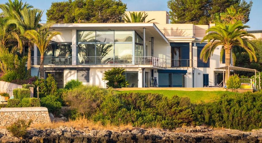 schlüsselfertige Ferienhäuser in Bestlage baut Cala Pi Homes