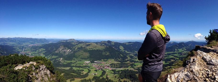 Panorama vom Iseler auf Ornach und Oberjoch