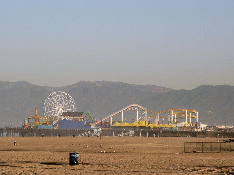 Santa Monica Pier im Morgendunst
