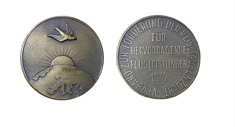 Brieftaubenmedaille 1952, Geschichte Brieftaubenverband, Historie Brieftaube