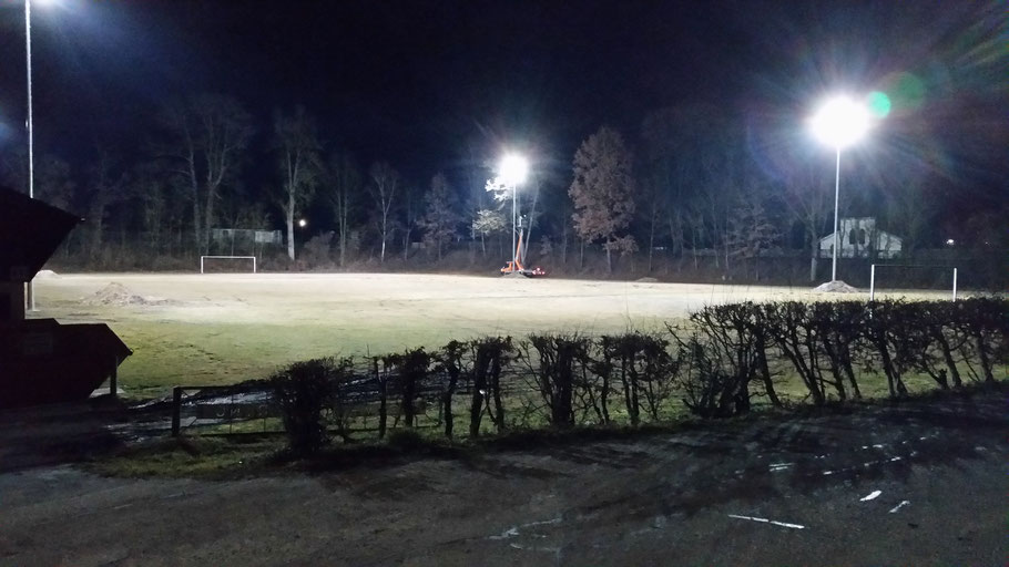 Neuinstallation Flutlichtanlage am Trainingsplatz