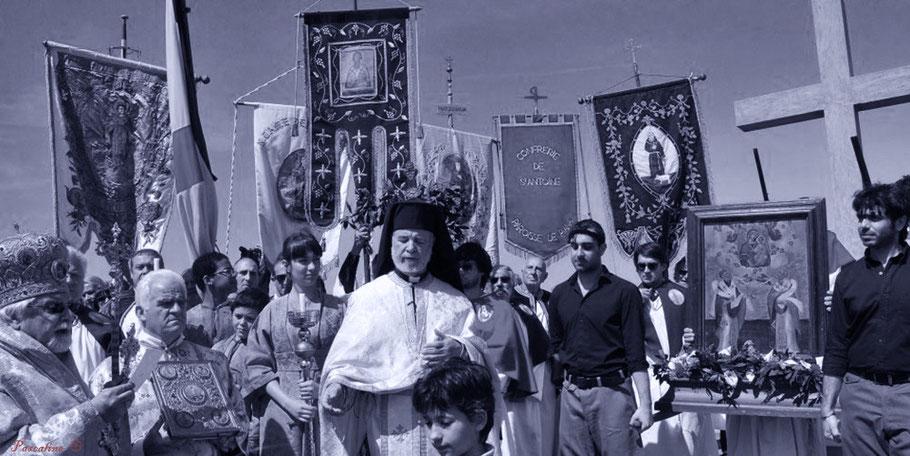 Les églises orthodoxe, catholique et les confréries de Cargèse