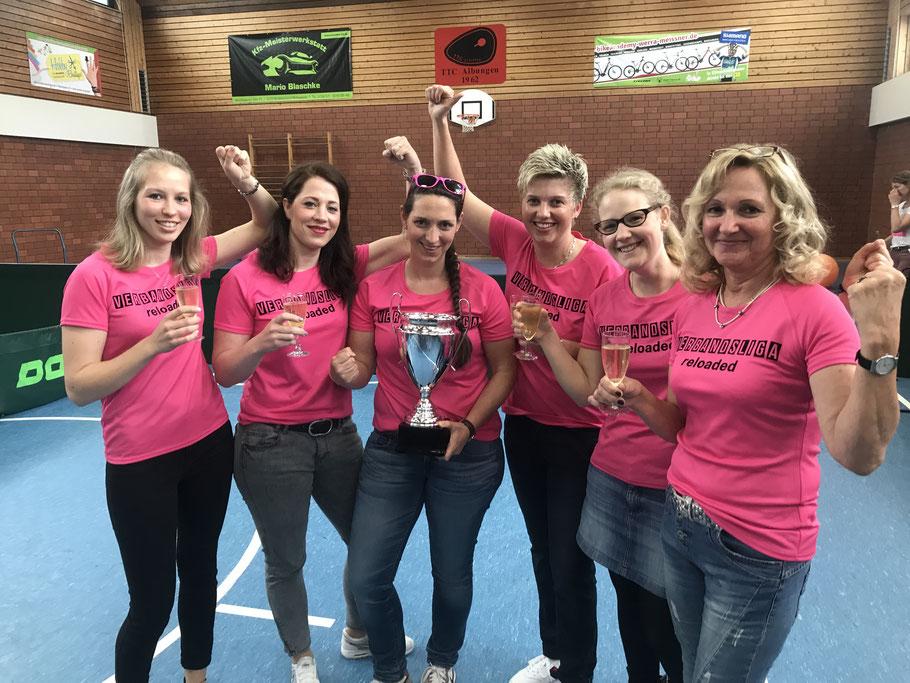 Der BOL-Meister 2017: die erste Damenmannschaft des TTC Albungen. Seit diesem Aufstieg spielt das Team in der Verbandsliga.