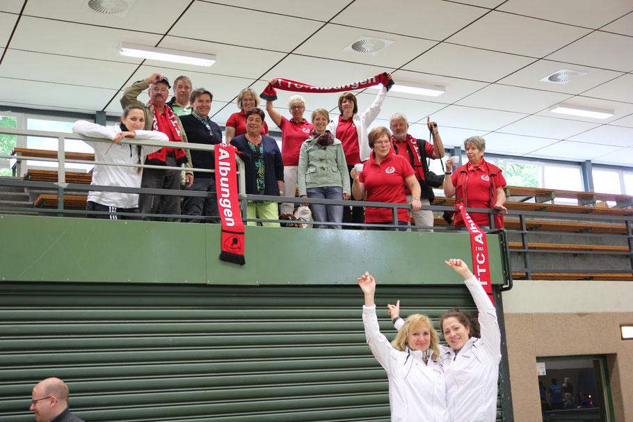 """Gewannen den Verbandspokal 2015 und fuhren zu den """"Deutschen"""": (von links) Martina Krengel, Ines Kimpel und Sarah Weise."""