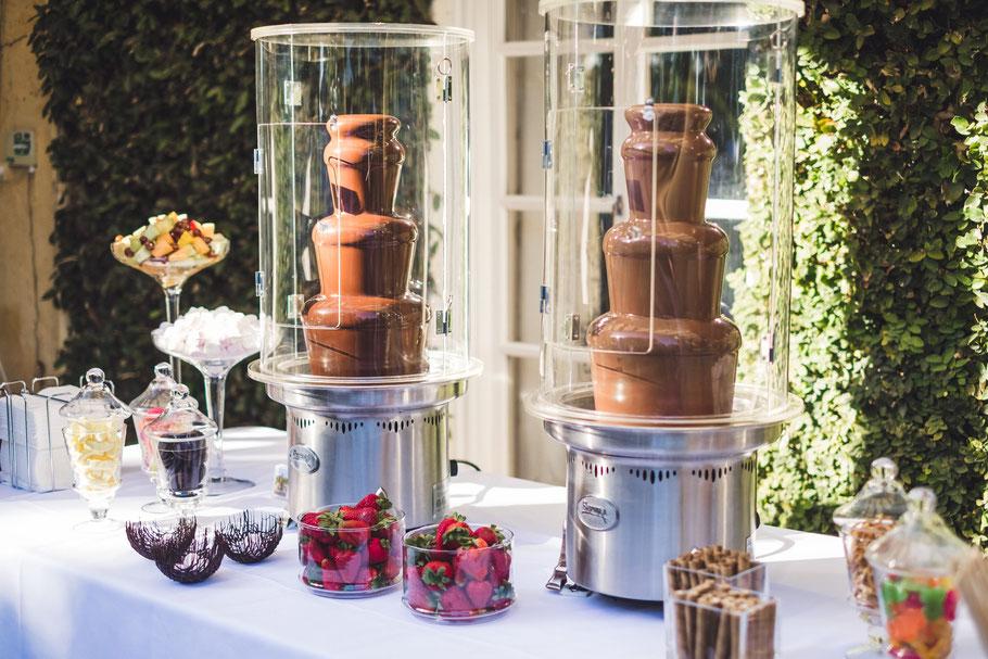 chocolate fountains fondues for weddings