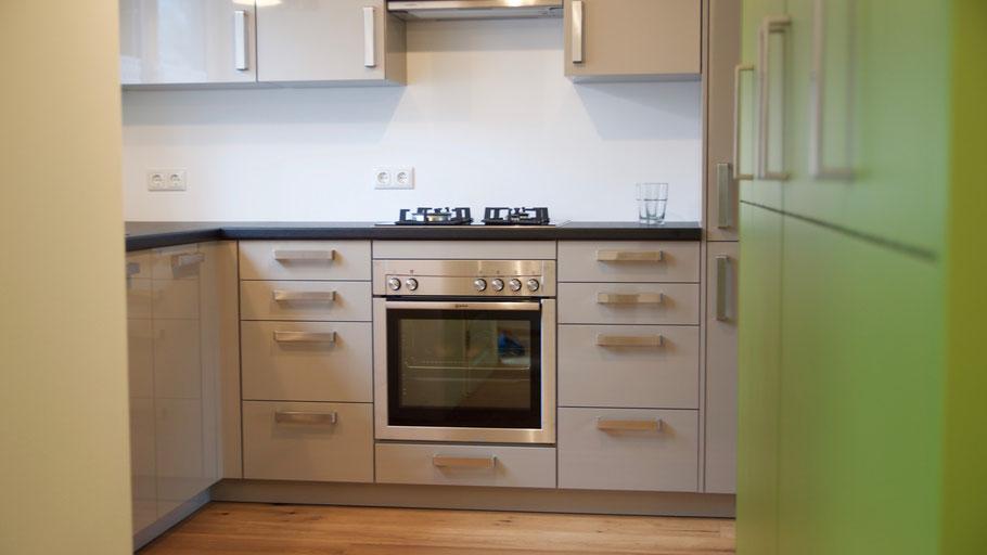k che mit knalligen farben kleineholzbude m nster. Black Bedroom Furniture Sets. Home Design Ideas