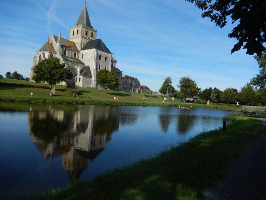 L'abbaye de Cerisy-la-Forêt (Manche).