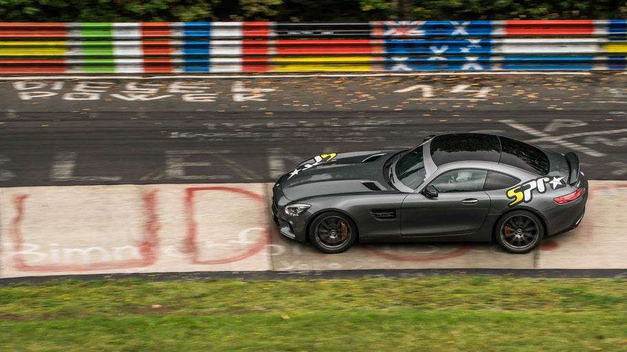 Das Einsatzfahrzeug der Star Performance Racing GmbH. Der Mercedes-AMG GT S als Renntaxi auf der Nürburgring Nordschleife © Bild Ollivision Photography