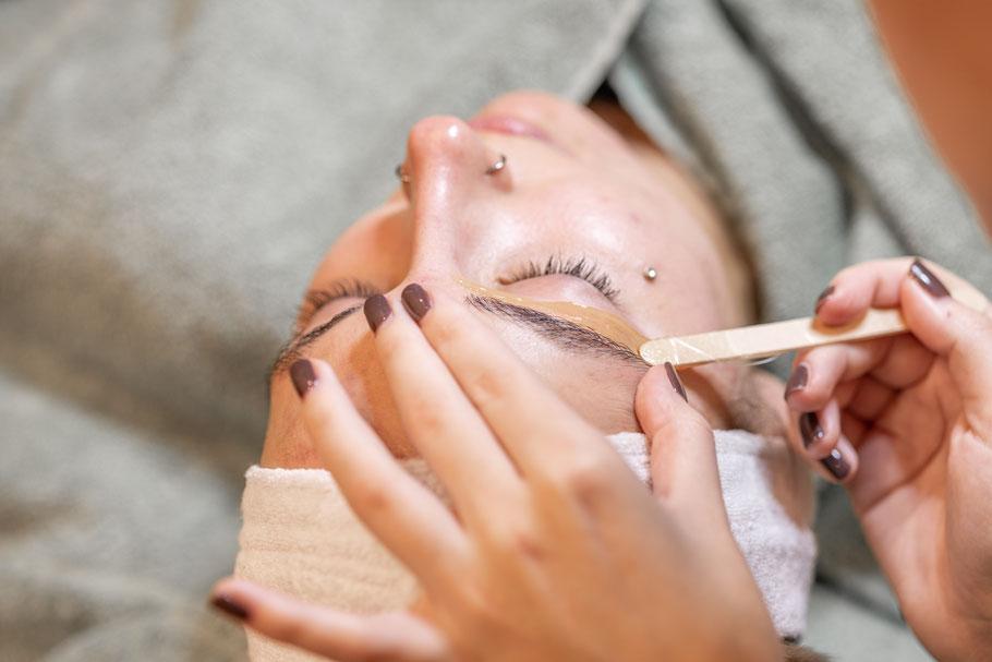 La belle Kosmetikstudio Augenbrauen Zupfen