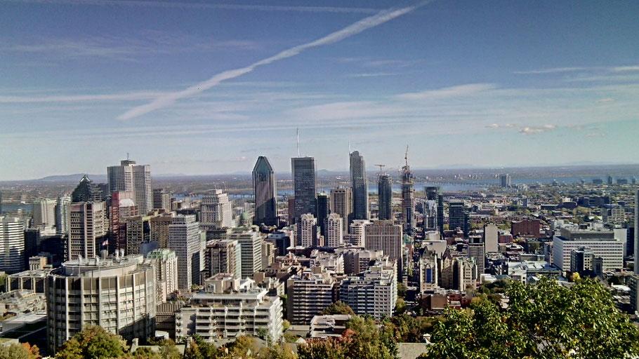 Vue sur la métropole de Montréal depuis le Mont-Royal