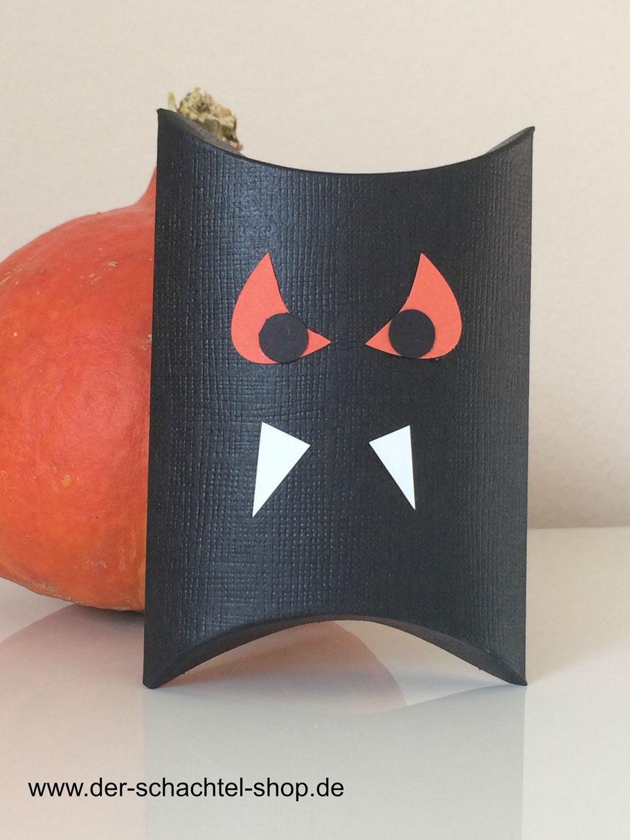 Pillow Box schwarz, Kissen Schachtel schwarz, Vampir Schachtel, Halloween Verpackung