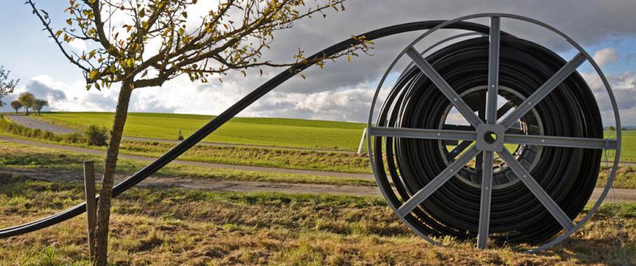 Kabelrolle am Wegesrand - Breitbandanschluss im ländlichen Raum - Bad Krozingen