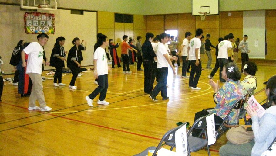 アンコール「Yatta!」では、地元ソーラン節グループの方々、横浜隼人高校和太鼓部の高校生たちなど大勢参加して盛り上がりました!!
