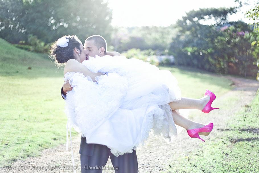 ICHSEHDICH Fotografie fotografiert weltweit Hochzeiten. Die Fotografin Claudia D. Lang wohnte zuvor in der Schweiz.