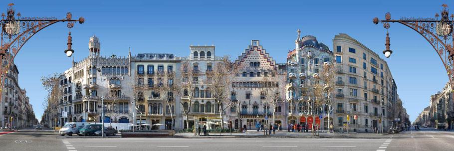 Conjunto de cinco edificios: la Casa Lleó Morera de Lluís Domènech i Montaner, la Casa Mulleras de Enric Sagnier, la Casa Bonet de Marcel·lià Coquillat, la Casa Amatller de Josep Puig i Cadafalch y la Casa Batlló de Antoni Gaudí
