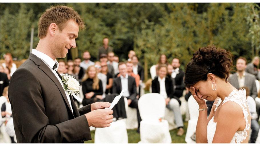 Hochzeitsreportage mit Nicola und Jan - Villa Sant'Anna Toscana - von Dirk Brzoska begleitet als Hochzeitsfotograf