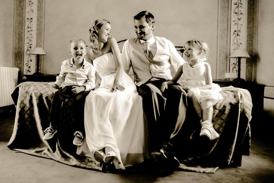 Hochzeit in Caputh / Potsdam am Schwielowsee kavalierhaus-caputh.de Familienshooting mit Braut Bräutigam und Kinder  - Copyright www.dirk-brzoska.de DIRK BRZOSKA FOTOGRAFIE
