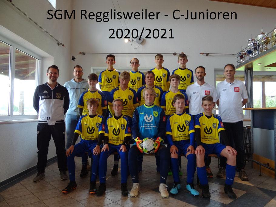 Das Team mit Jugendleiter Elmar Ströbele, Sponsor Timo Walter und den Trainern Ralf Schlegel und Michael Schneider.