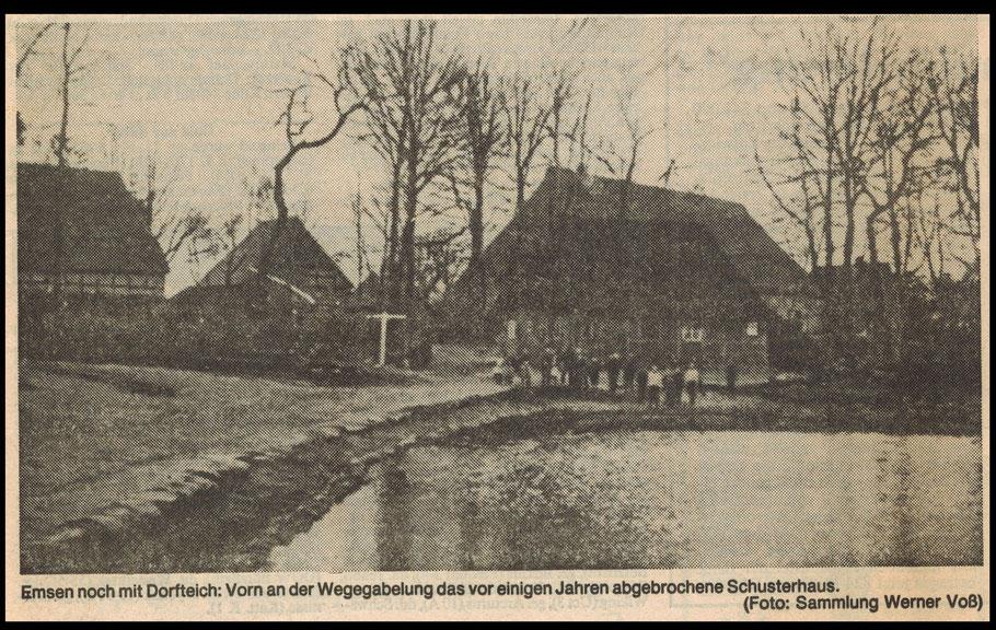 """Emsen Dorfteich in der Ortsmitte im Hintergrund  Haus Nr. 11 """"Schoosters"""" und Holste"""