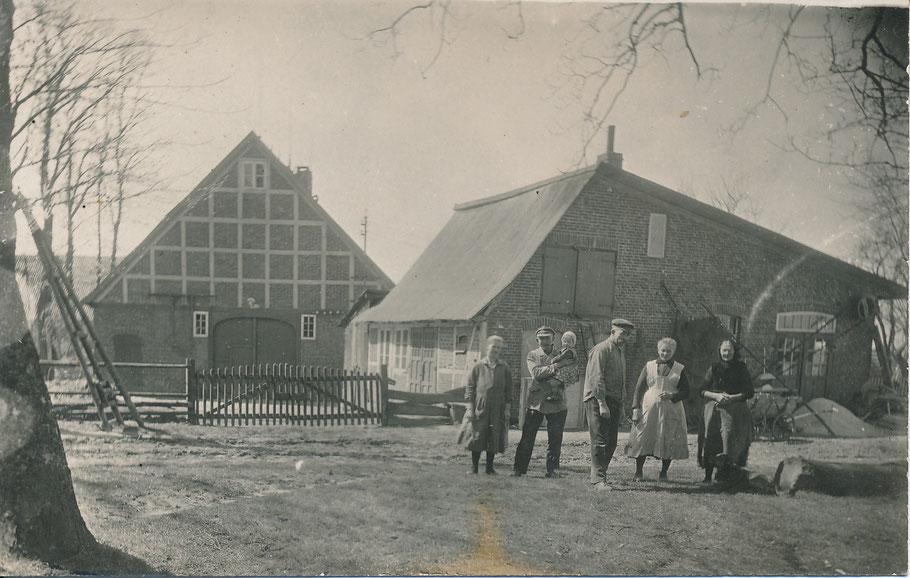 Langenrehm Dorfplatz / die alte Stellmacherei Peters