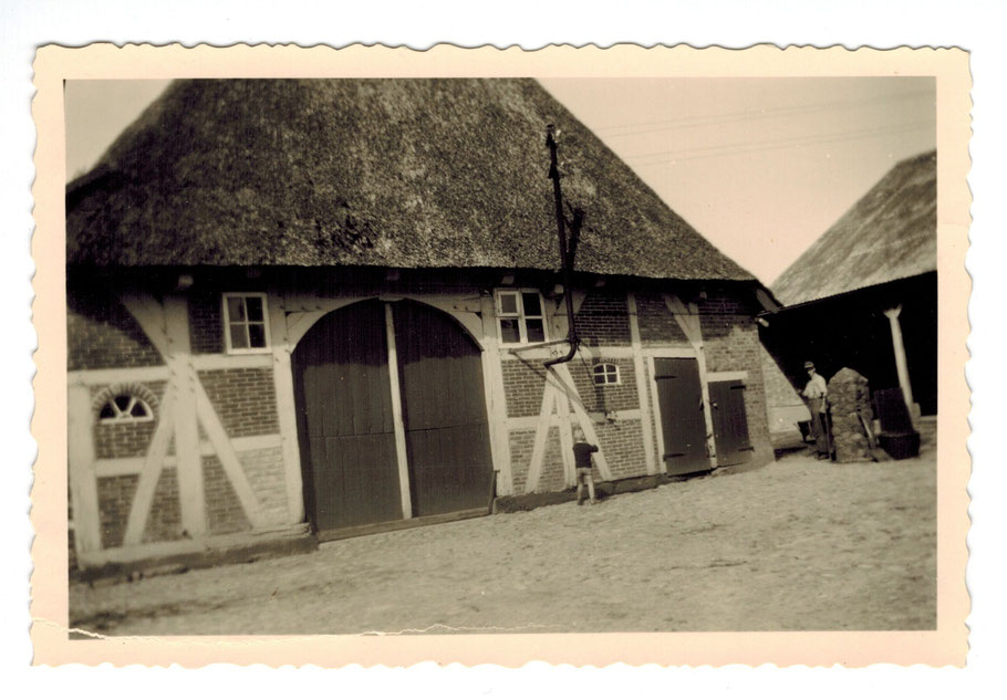 Emsen Dibbersener Weg 4 (ältestes Hofgbäude in Emsen erbaut um 1701) ehemals Hof Homann heute Petersen
