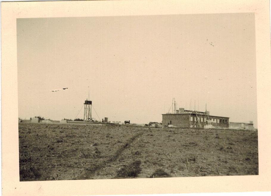 Kasernenbau (Maschienenhaus und Wasserturm) heute Siedlung Langenrehm
