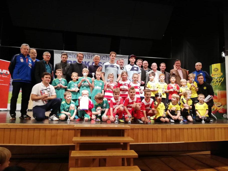 TOP 3 - Sieger: GAK Juniors - 2. Platz: USV Scheiblingkirchen/Warth - 3. Platz: Fußballschule Raffl