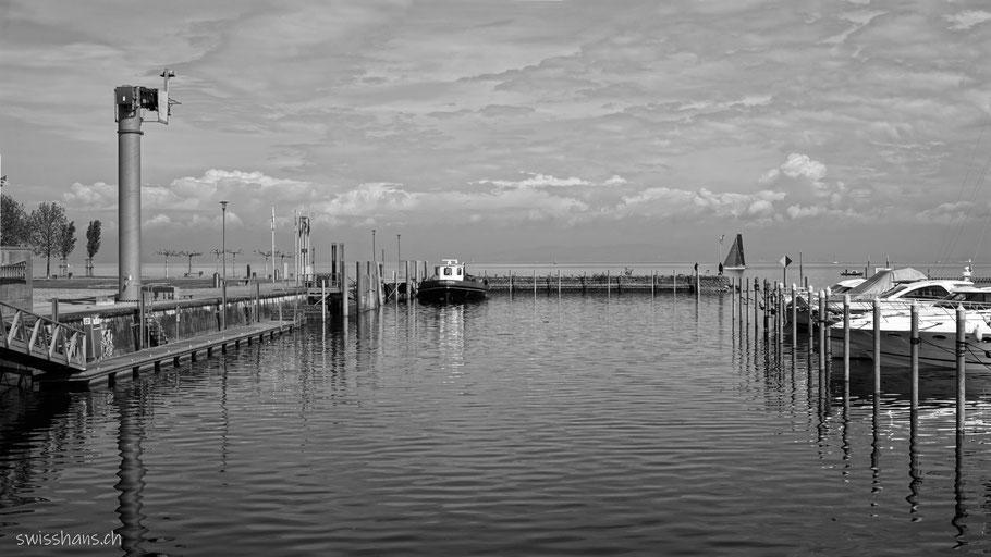 Yachthafen von Staad am Bodensee mit Wolken