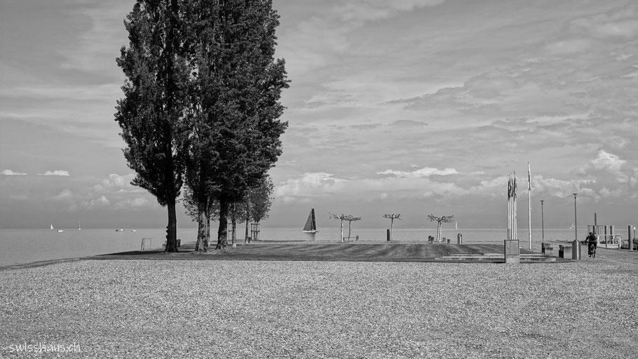 Die Hafenmole von Staad am Bodensee