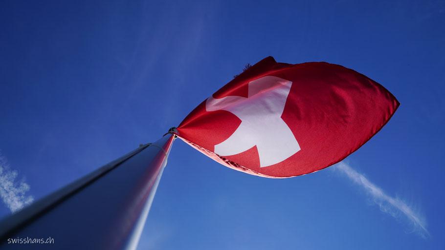 Schweizerfahne auf dem Pizalun oberhalb Pfäfers