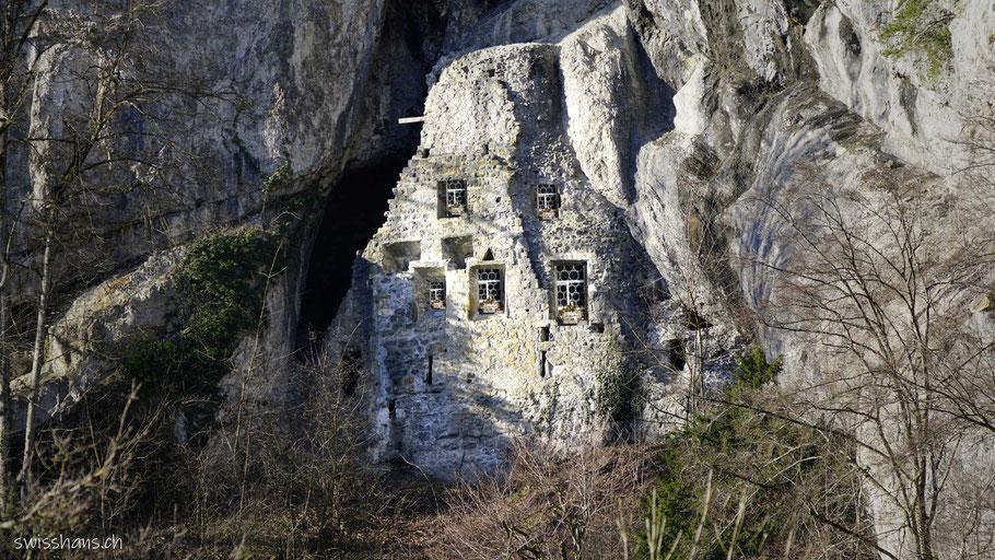 Höhlenburg Ruine Wichenstein in Oberriet
