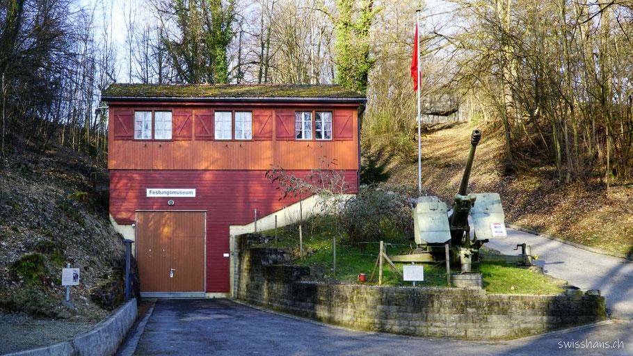 Baracke mit Eingang zum Festungsmuseum Heldsberg in St. Margreten