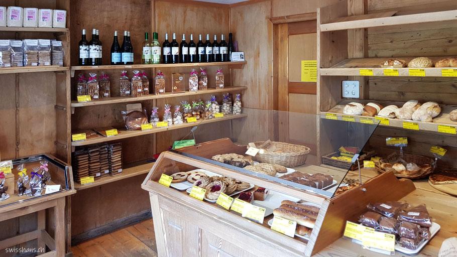 Laden der Bäckerei Kast in der Siedlung Steingocht bei Reute mit leckeren  Backwaren