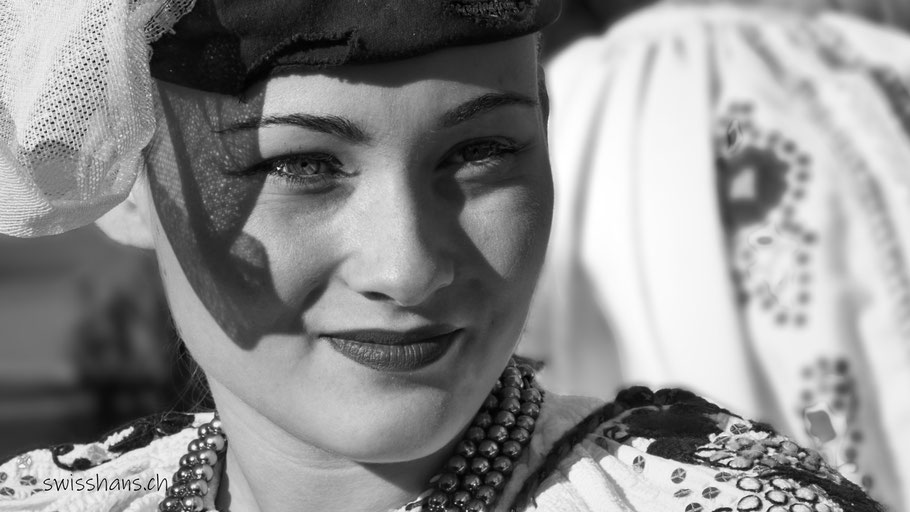 Portrait einer Frau in Tracht am Brauchtumstreffen 2019 in Altstätten