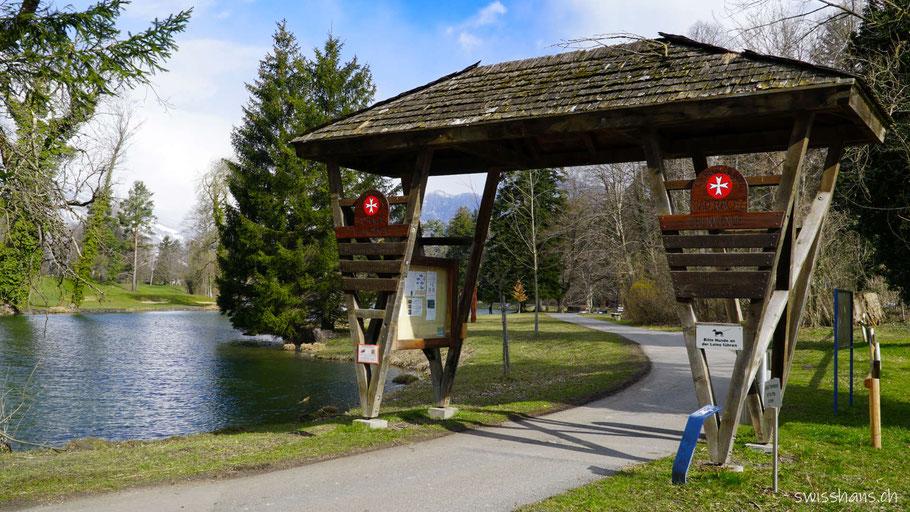 Pforte zum Giessenpark mit dem Giessenparksee von Bad Ragaz