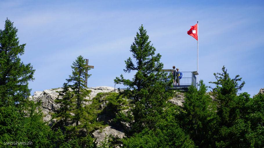 Aussichtsplattform auf dem Pizalun bei St. Margrethenberg mit Gipfelkreuz