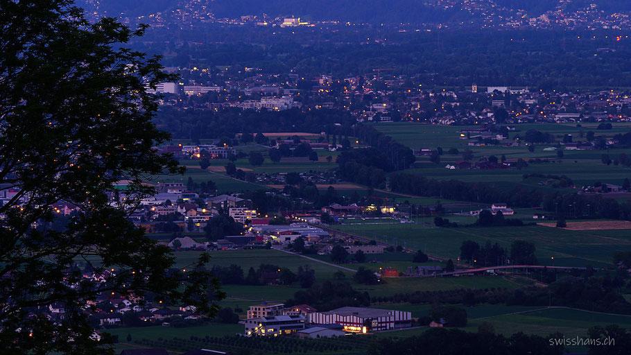 Aussicht auf Marbach, Rebstein, Balgach und Widnau bei Nacht
