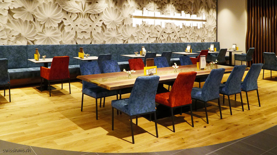 Tischgruppe im Café Backstube Widnau