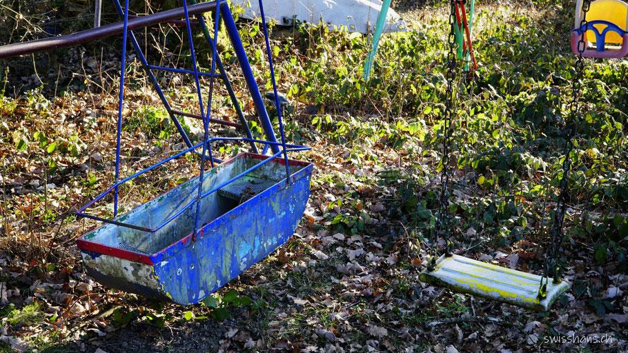 Kinderspielplatz mit Schifflischaukel und Kinderschaukel im Älpli bei Oberriet