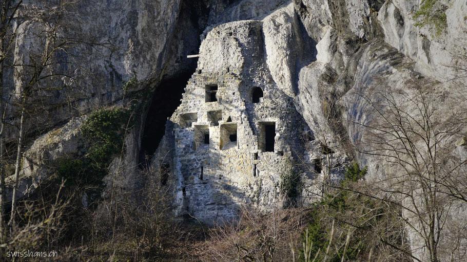 Ruine der Höhlenburg Wichenstein bei Oberriet