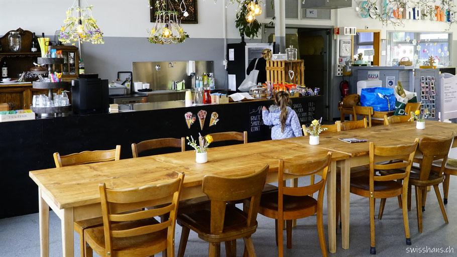 Tisch und Büffet Setzchaschte-Kafi in Grabs
