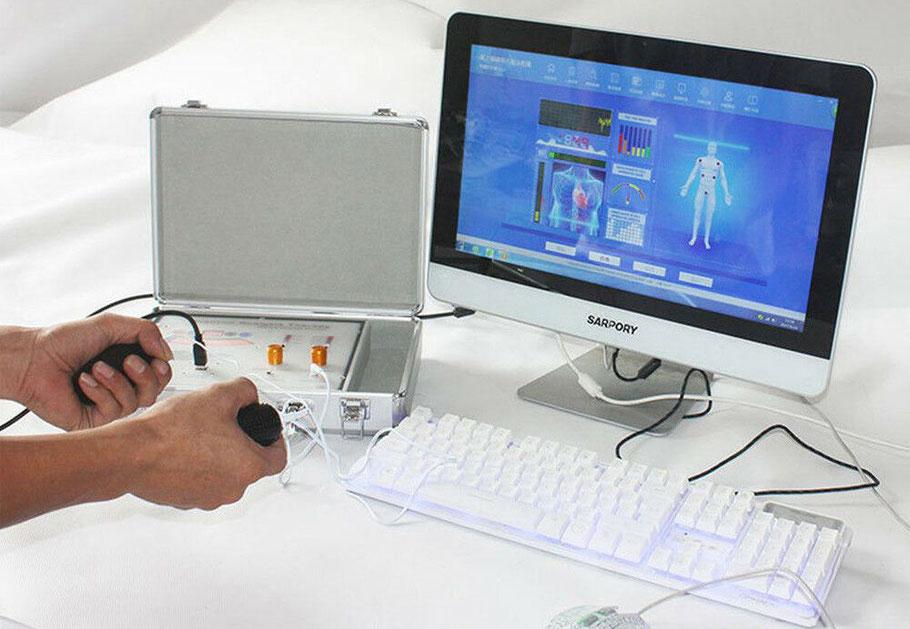 Escáner Cuántico con terapia de masaje de Estimulación Nerviosa Eléctrica Transcutánea (TENS) y Acupuntura