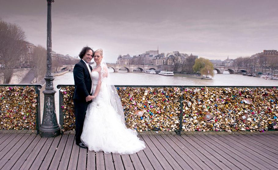 A Paris Photographer - Weddings Paris Photography - The Bridge of Love