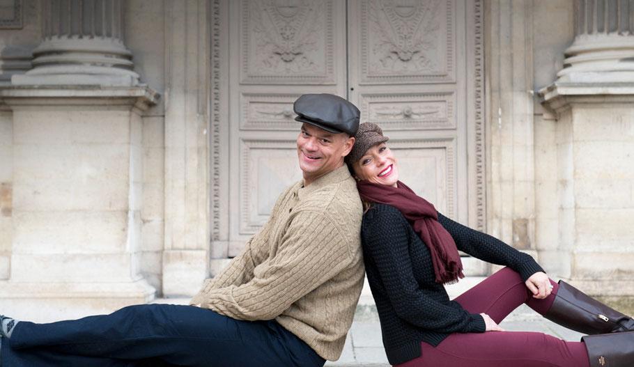 A paris Photographer - Couples Paris photographer - Musée du Louvre