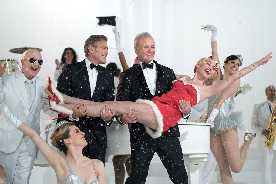 A Very Murray Christmas - Paul Shaffer - George Clooney - Bill Murray - Miley Cyrus - Credit Ali Goldstein - Netflix - kulturmaterial
