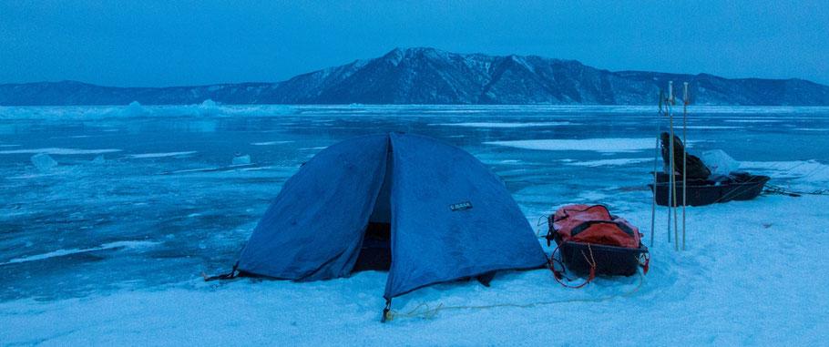 Anke Wolfert: Zelten auf dem Eis